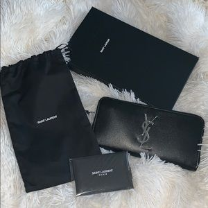 ❌SOLD❌Yves Saint Laurent zippy wallet.NWB